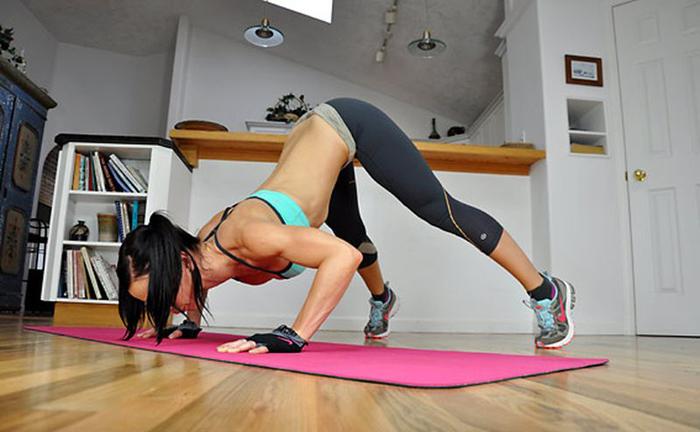 С чего начать тренировку дома девушке