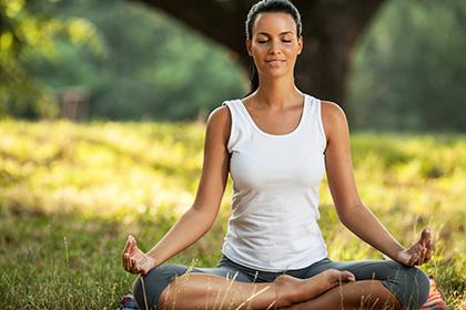тренировки во время месячных йога